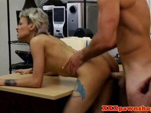 Die fette Arschfreundin Bailey Brooke betrügt ihren Mann mit seiner besten Freundin
