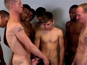 Penis jungs steifen nackt mit Mit Steifen