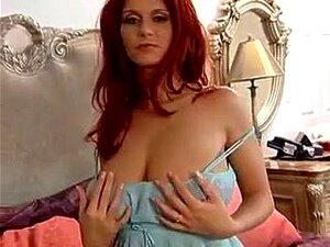 Ballhaus ganz nackt bettie Teeny Bettie