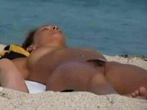 Strand nackte Mädchen