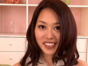 Japanische Schlampe Kanae will, dass er ihre Muschi mit Sperma füllt