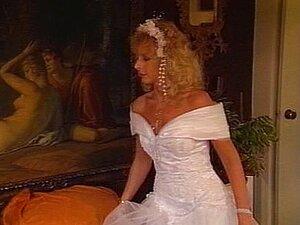 Die vollbusige Braut Ava Addams fickt den Trauzeugen kurz vor der Hochzeit