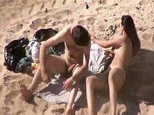 Strand am paare ficken Pärchen treibt