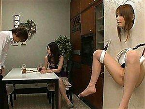 Japanische Sklavin bekommt ihre MILF-Muschi vom Meister gefickt