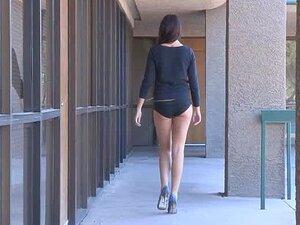 Turnen nackt brücke Nacktvideo auf