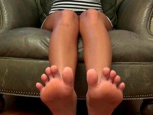 Nicole Aniston Lesbische Füße
