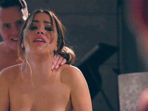 Großzügige Latina Alina Lopez wird zu echten Orgasmen gefickt