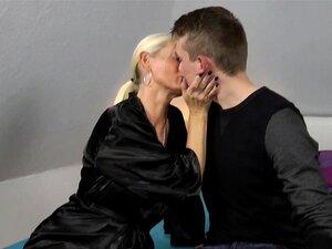 Fickt 18 jährigen milf Reife Blondine