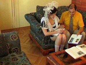 Alter Mann fickt junge Maid