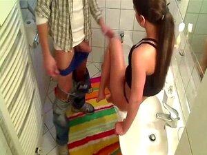 Badezimmer Fick Schwer Saugen Die Mitbewohner holt