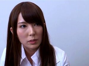 Betrunkene Japanerinnen Jun und Yuuno werden von drei Kollegen gefickt