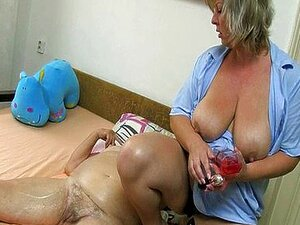 Blonde ältere nackte Frauen