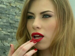 Poly indisch pornostar lippenstift Porno rot Lippenstift porno