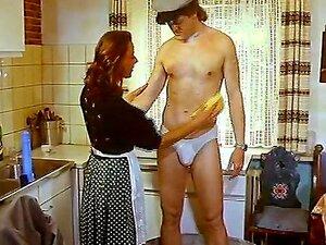 Große Titten Amateur Ehefrau Küche