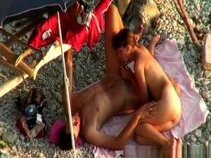 Nackt penis der größte Kleiner Penis?