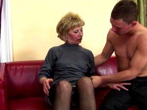 Stiefmutter verführt Sohn Anal
