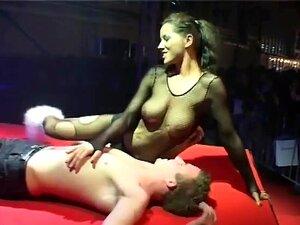 Show rene nackt schwuchow Mächtigen Asiatischen