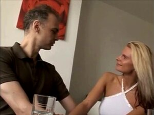 Vollbusige Blondine reifen Amateur