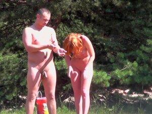 Pubertät nackt in mädchen Nacktschlafen in