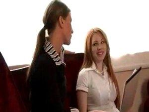 Fickt Mitarbeiterin lesbisch Chef Ein Chef