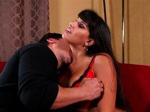 Dick und reife Mercedes Carrera bekommt ihre Latina-Beute zertrümmert
