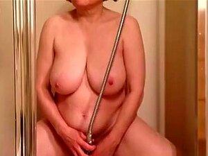 Mollig Ehefrau Masturbiert Orgasmus