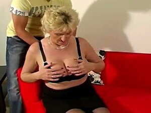 Jährige nackt 65 frauen Oma