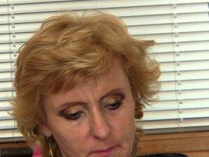 Blonde reife betrügende Ehefrau