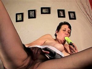 Oma groß solo porno