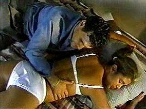 Nackte indische Jungfrau Mädchen