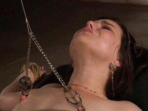 Eliza Jane, Süße in suspendierter Bondage, wird von riesigem Schwanz bestraft