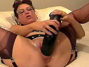 Amateur Ehefrau Erste Riesige Dildo