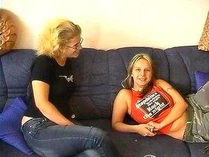 Mädchen 2 Ebenholz Threesome Ebenholz Junge