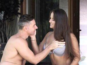 Olivia Nice lässt den alten Mann ihren jungen und üppigen Körper genießen