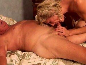 Posen nackt frauen Nackt milfs