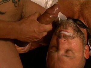 Mund zu viel sperma im Sperma und