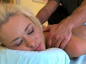 Blonde Muschi Skinny Rasierte Claudia rasiert